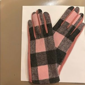 Women's Gloves Light Pink and Grey Buffalo Check